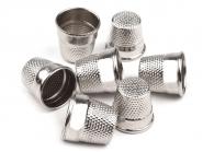 Fingerhut Metall mit Kappe sortiert Nr. 856124, 4 Stück im Pack, Größe 1, 0, 2/0 und 3/0
