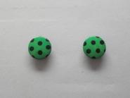 Knopf mit schwarzen Punkten Nr. 6089-36-7, Größe 36 (ca. 23 mm), Farbe 7 grün/schwarz