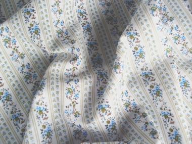 Baumwollstoff 8010206 natur hell mit Rosendruck, Farbe blau