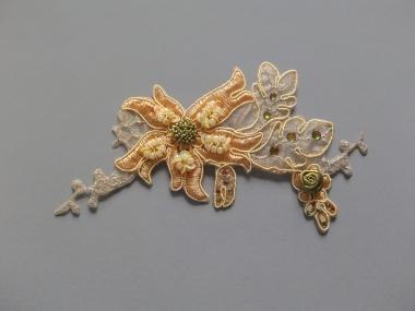 Blumenapplikation Nr. 56057724-04 mit Strasssteinen und Satinrose, Farbe 04 peach