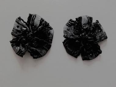 Blumenapplikation Nr. 56058846-08 mit Satinrosen und Strasssteinen, Farbe 08 schwarz