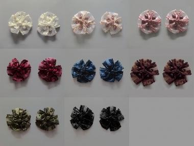 Blumenapplikation Nr. 56058846 mit Satinrosen und Strasssteinen