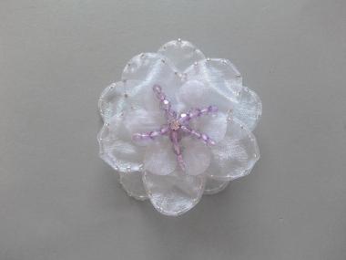 Chiffon-Blumenapplikation Nr. S 504-02 mit Perlen und Strasssteinen, Farbe 02 weiß-lila