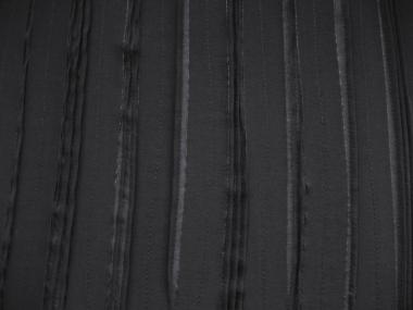 Chiffon Nr. TT21390 in schwarz mit aufgenähten Stoffstreifen