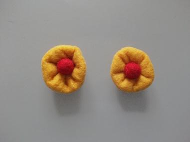 Jim Knopf Filzblume Nr. 12193-10, Farbe 10 gelb-rot