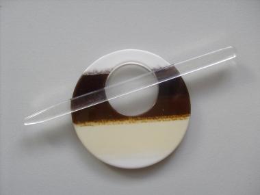Schmuckschließe rund Nr. DK02211/90-02, Farbe 02 braun-weiß
