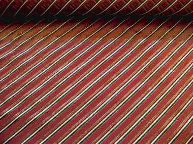 Weihnachtsorganza L8113-209 dunkelrot mit Glitterstreifen diagonal
