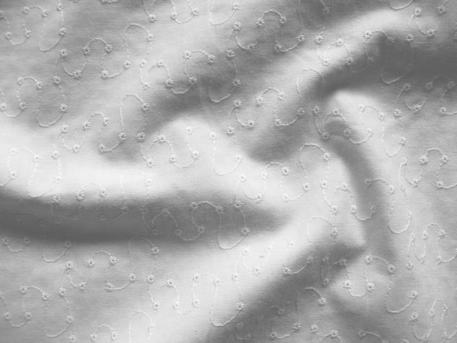 Baumwollstoff bestickt V3754 in weiß