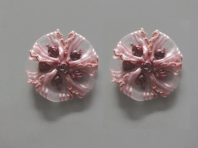 Blumenapplikation Nr. 56058846-03 mit Satinrosen und Strasssteinen, Farbe 03 dunkelpink