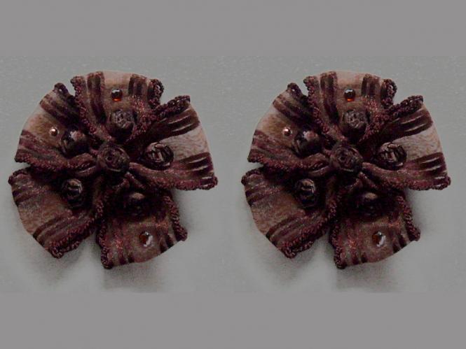 Blumenapplikation Nr. 56058846-06 mit Satinrosen und Strasssteinen, Farbe 06 braun