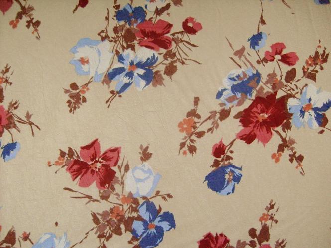 Georgette L80623 in hellbeige mit Blumendruck rot-blau