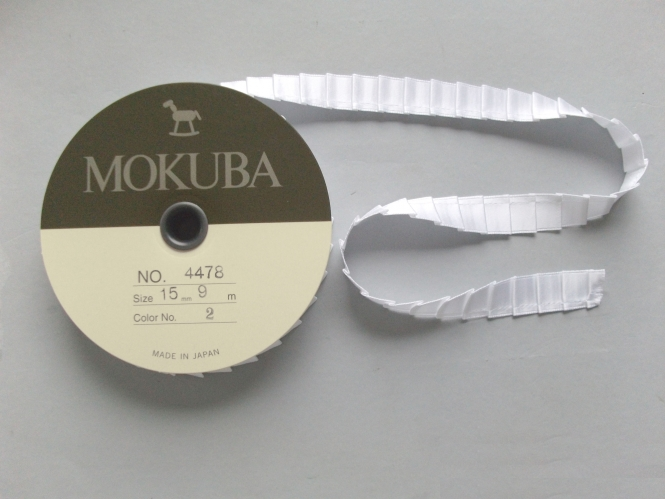 Mokuba Pleat Satin Ribbon Nr. 4478-15-2