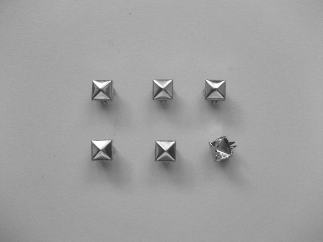 Nieten Metall G25310 Pyramidenform