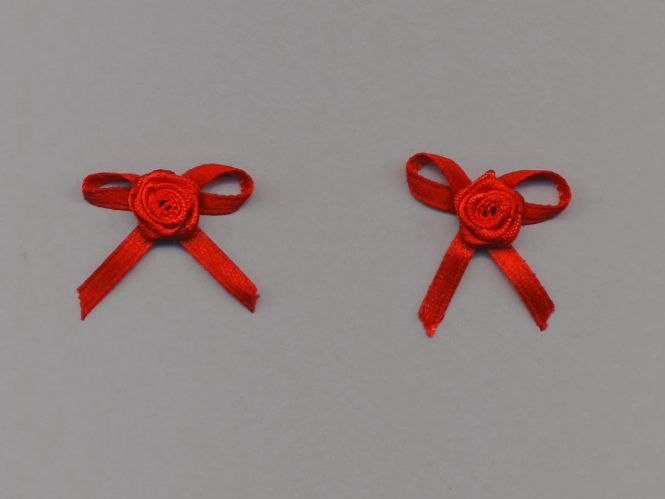 Satinrose mit Schleife S104-235, Farbe rot