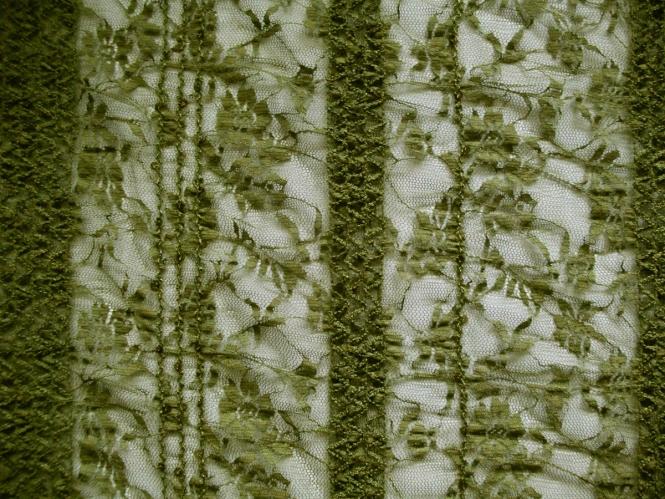 Spitzenstoff elastisch 464368 in oliv mit aufgenähten Pailletten